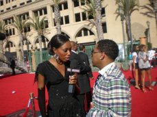 Interviewing Bobby valentine on the red carpet for the BET Awards 2007 at the Shrine Auditorium in LA