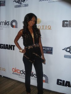Getting ready to interview the stars on the red carpet for Ludacris' Akademiks launch party for BET in 2007